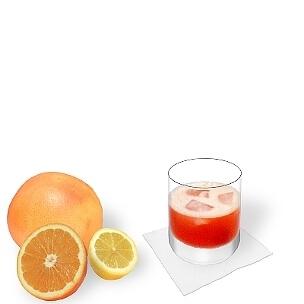 Aperol Sour servido en un vaso Tumbler, es la manera más común de presentar esta bebida sabrosa.