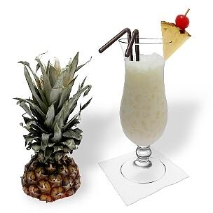 Batida de Coco servido en una copa de champán, es la manera más común de presentar esta bebida para el verano.