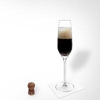 Black Velvet en una copa de champán.