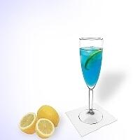 Blue Champagne en una copa de champagne
