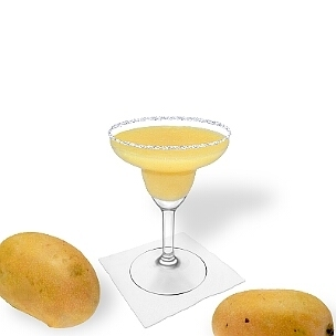 Margarita de Mango servido en una copa de margarita con pizca de azúcar o sal, es la manera más común de presentar esta bebida afrutada.