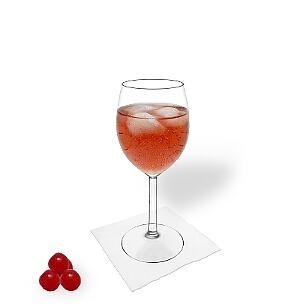 Kir Royal es una bebida que gusta mucho a las mujeres, pero también los hombres lo toman.