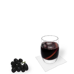A lo mejor presentas Calimocho en vasos Tumbler o copas de vino.